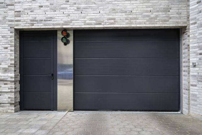 Producent Brama garażowa segmentowa Bramy garażowe przemysłowe3,06*2