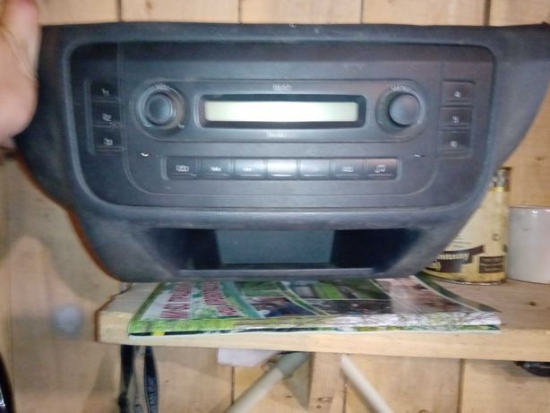 VAG AAO700001 Автомагнитола Fab ll/Roomster + консоль в сборе