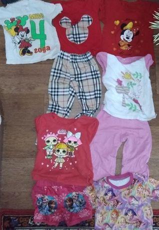 Большой пакет летней одежды: футболка, костюм, шорты, бриджи