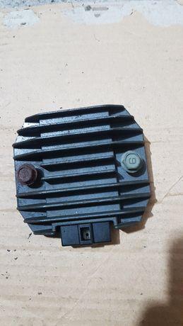 Yamaha R1 Rn04- regulator napięcia