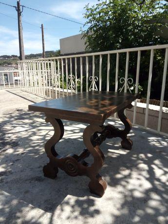 Mesa de Sala em madeira