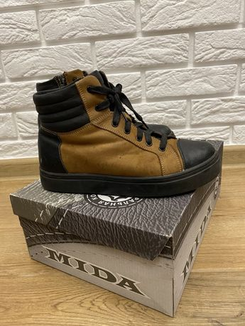 Зимние кожаные ботинки Mida