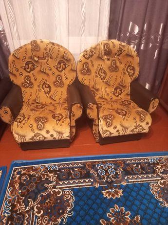 Продам мягкі крісла