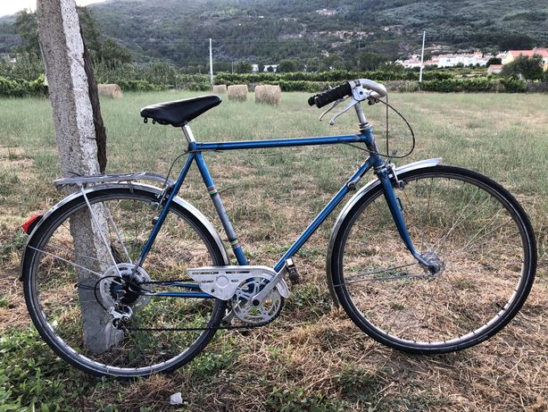 Bicicleta classica suiça com dura-ace