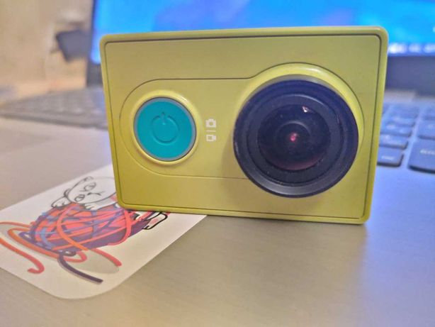 СРОЧНО Экшн-камера Xiaomi YI SPORT (SD-card 16GB в подарок!)