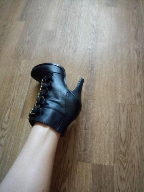 Бртильоны ботинки осенние демисезонные 37 размер