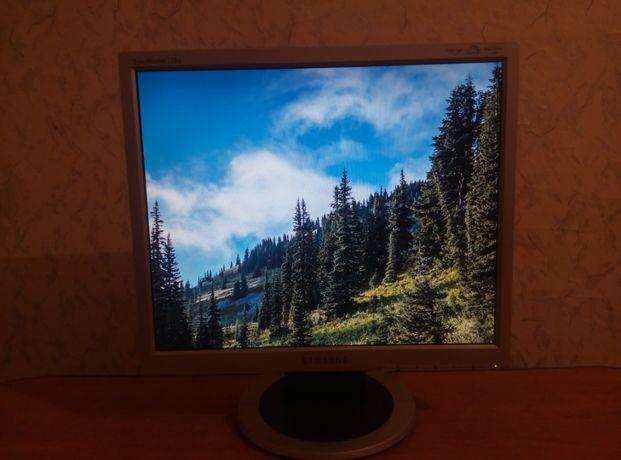 Продаю Оригинальный И Качественный Мoнитор Samsung SyncMaster 710N