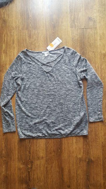 Sweterek M szary nowy