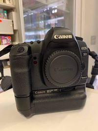IDEALNY Canon EOS 5D Mark II + GRIP + lampa + 64gb CF + Ob. 50 mm