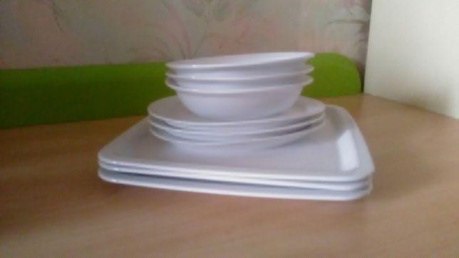 Набор тарелок фарфор с 9 штук.
