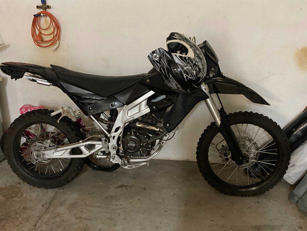 Mota  250cc  (Impecável)