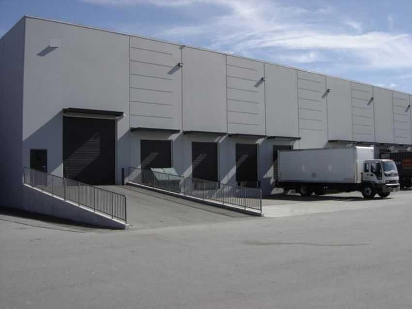 Leszno - powierzchnia magazynowa w centrum logistycznym.