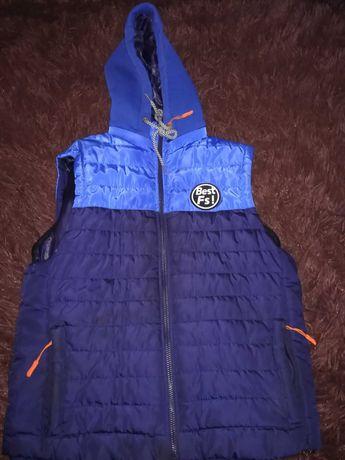 Продам куртка-жилетка на хлопчика