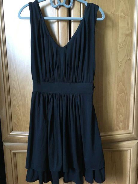 Czarna sukienka z falbankami Troll rozmiar M