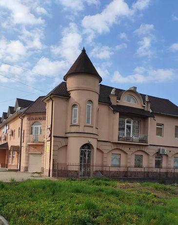 Продається нерухомість в центральній частині міста 2поверх з мансардою