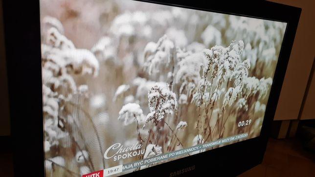 Tv samsung LCD 23 cali le23r32bx dzialka  bez dekodera.