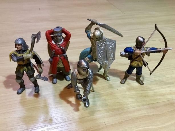 5 bonecos de guerreiros medievais