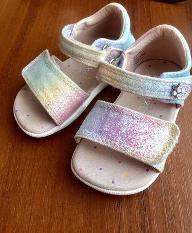 Босоніжки сандалі Next