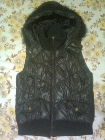 38-40 жилетка куртка курточка в отличном состоянии.