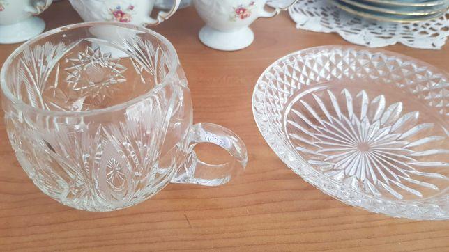 Kryształowe perełki PRL kubeczek, talerzyk, szklanki, dzbanek