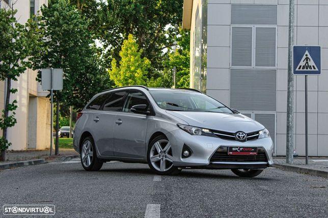 Toyota Auris Touring Sports EXCLUSIVE