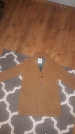 Płaszcz kolor karmel