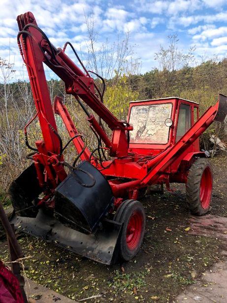 Продам трактор т16 з грейферним погрущиком.