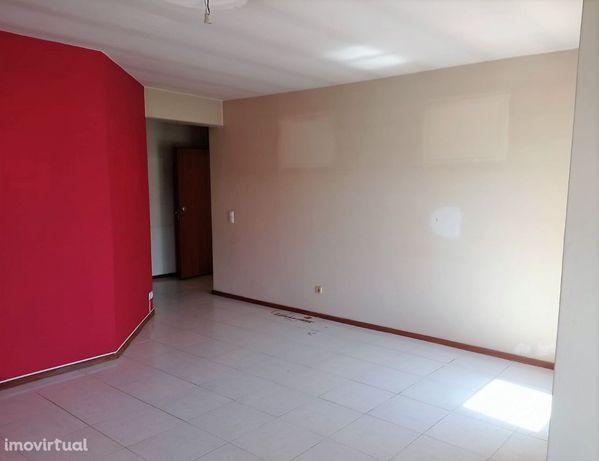Apartamento T2 em S. João da Madeira