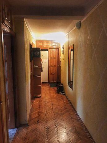 Сдается комната в 3-х к. квартире