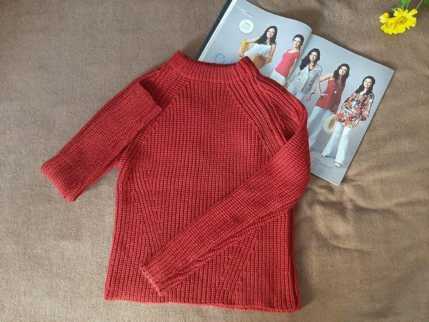 Класный свитер zara