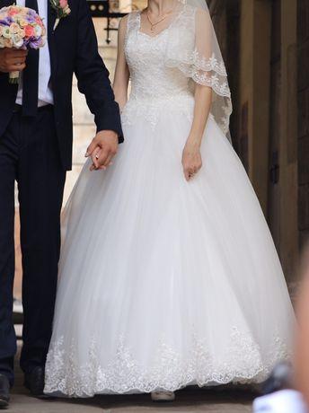 Весільне плаття розмір 42-44 Preligio. Платье свадебное.