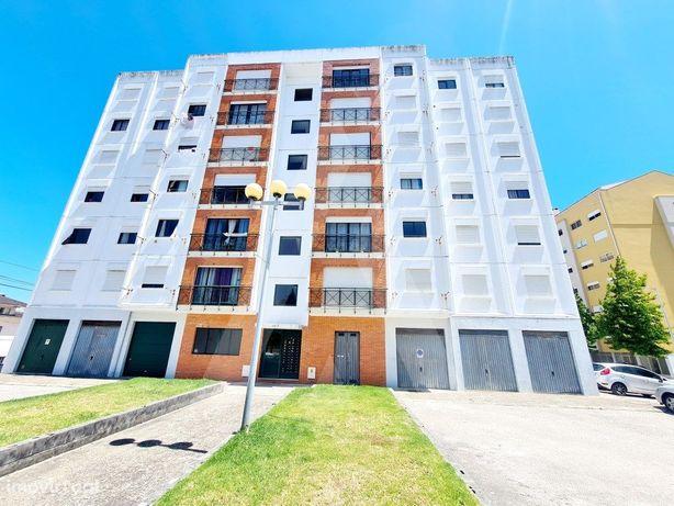 Apartamento T2 em Azurva