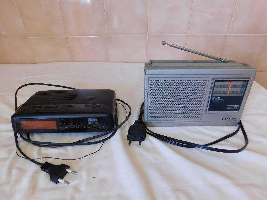 Dois Rádios antigos