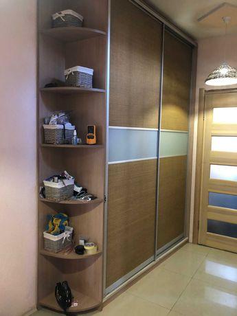 Красивый шкаф-купе натуральная рогожка, в прихожую или спальню