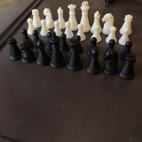 Дорожные шахматные фигуры набор на магнитах