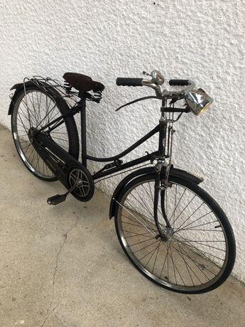 Bicicleta antiga pasteleira imperium