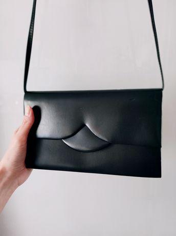 Torebka, kopertówka z paskiem na ramię czarna