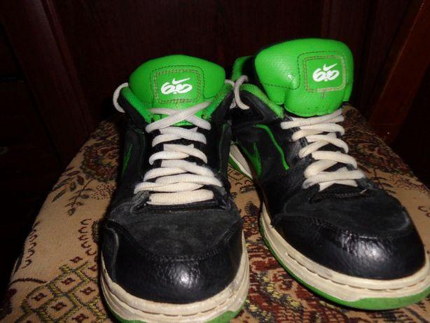 Продам бу кожаные кроссовки на подростка 38 размер