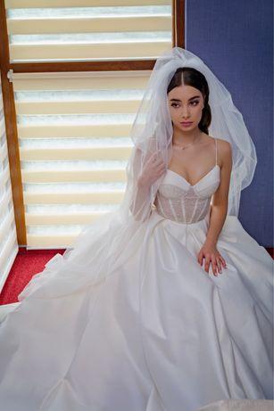 Продаю весільне плаття з Поларді