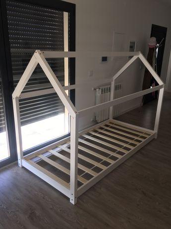 Cama de criança montessori - branca 90X200