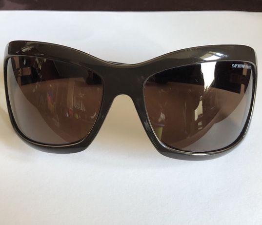 Okulary przeciwsłoneczne Giorgio Armani z futerałem