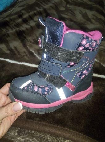 Зимние сапоги/ботинки для девочки размеры 24и 26
