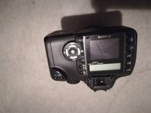 Maquina fotográfica digital Canon + uma objetiva
