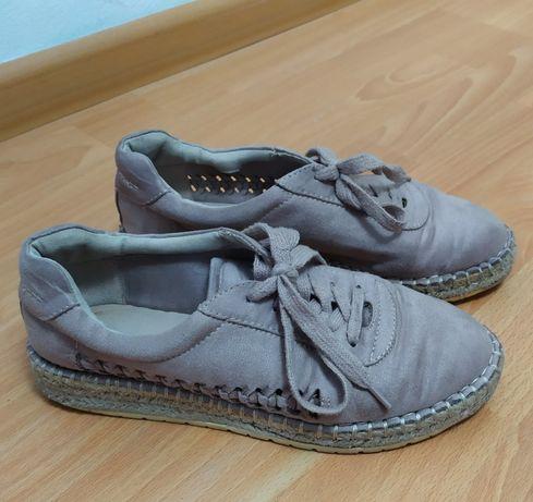 Продам кросівки 37 розміру