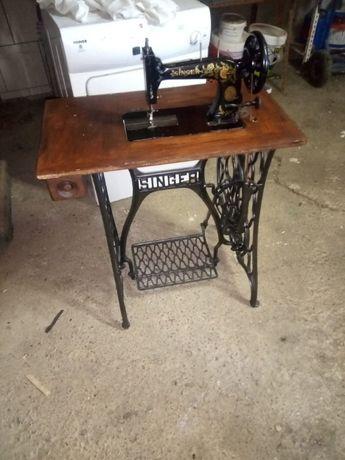 Máquina de custura SINGER antiga