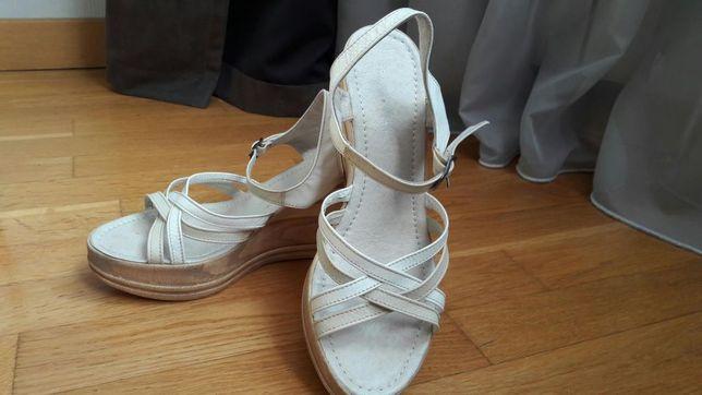 Кожаные босоножки (туфли, сандали)