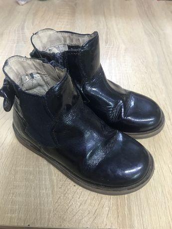 Ботинки, кеды 28-й размер