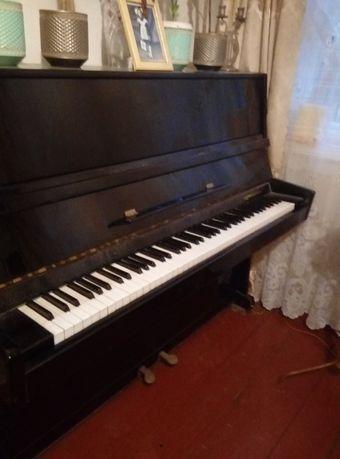 Пианино Украина 3000руб