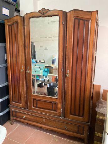 Roupeiro armário antigo vintage