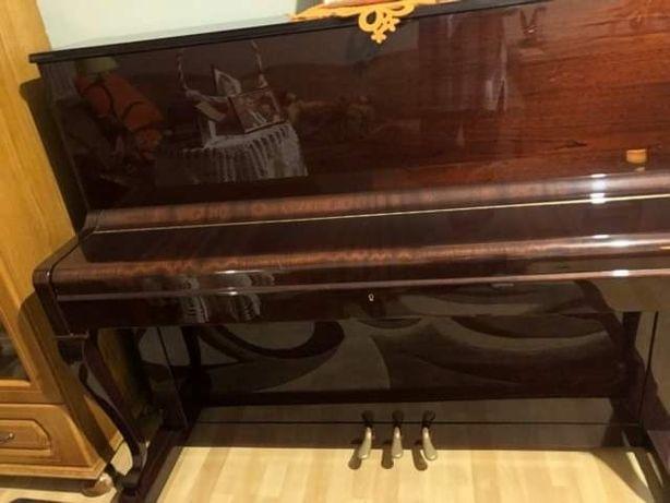 Sprzedam pianino firmy PETROF